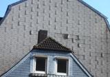 Verformungen und Ablösungen einer Bitumen-Element-Fassade infolge Temperatureinwirkung