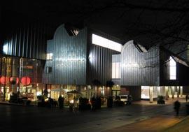 Fassade mit Titanzinkblechen